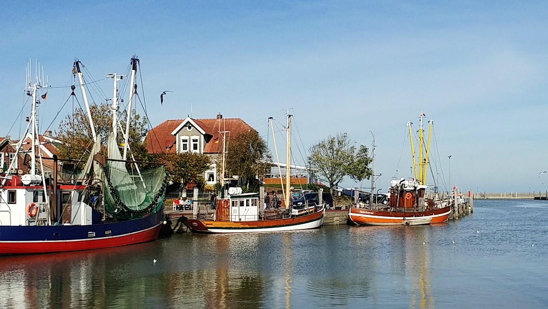 Neuharlingersiel Hafen